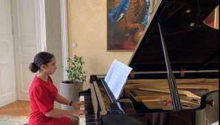 """""""مريم طاحون"""" تفوز بالمركز الأول بمسابقة موسكو الدولية في العزف"""