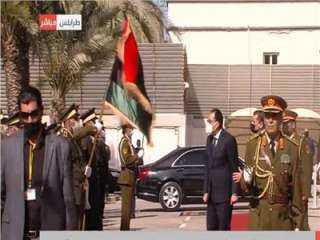 مراسم استقبال رسمية لرئيس الوزراء فى مقر الحكومة الليبية وعزف السلام الوطنى للبلدين