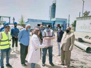 محافظ الشرقية يتفقد محطة مياه سنجها بكفر صقر