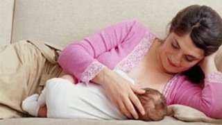 هل ينتقل كورونا للأطفال أثناء الرضاعة الطبيعية؟.. الصحة تجيب