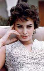 اليوم ذكرى ميلاد الممثلة الإيطالية صوفيا لورين