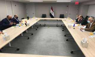 الوزير شكري والممثل الأعلى الأوروبي يبحثان التعاون بين مصر والاتحاد الأوروبي