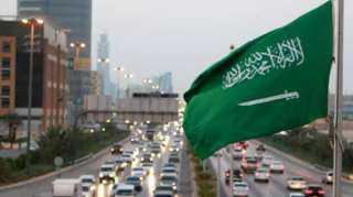 السعودية تبدأ تخفيف الإجراءات الاحترازية