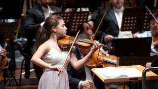 المجر ..  حفيدة عبد الرحمن أبو زهرة  تشارك في حفل تخليداً لعازف كمان شهير