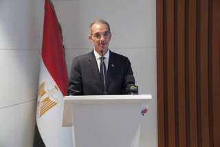 وزير الاتصالات: مصر مركزا لمرور الكابلات البحرية الدولية