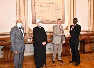 وزيرا الأوقاف المصري والسوداني يفتتحان مسجد جامعة عين شمس بعد تجديده